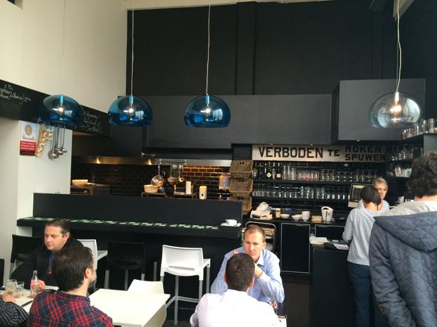 Bar Albert 3